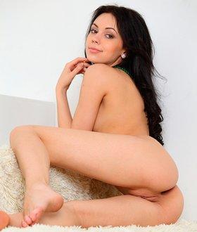 Sheri Vi
