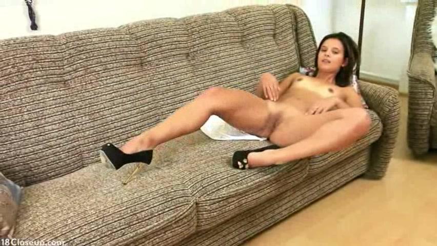 Молодая девушка порну видео фото 391-774