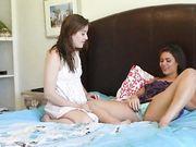 Молодые девушки ласкают киски в позе 69