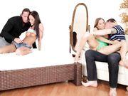 Видео оргии - три пары в спальне