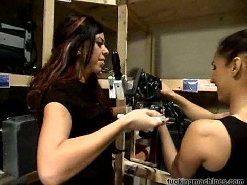 Девушки модели развлекаются секс, фото новой виагры обнаженные