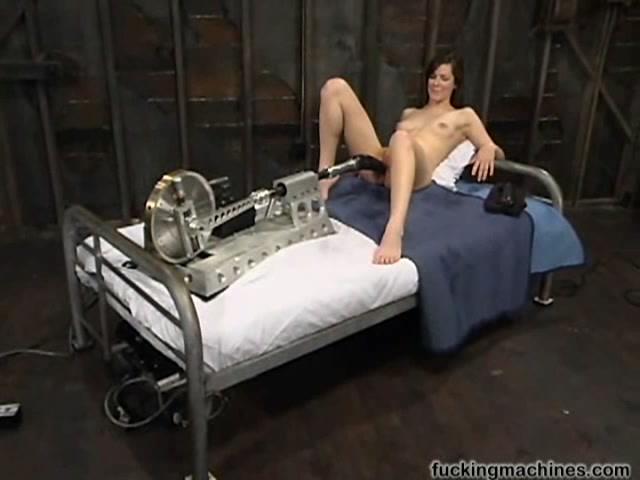 Затрат письки секс машинками фото 25-703