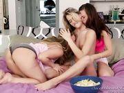 Три лесбиянки занимаются сексом