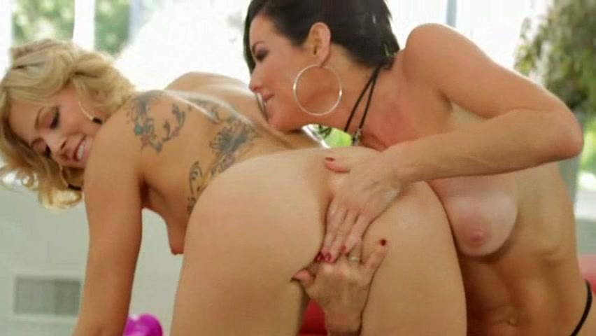 Порно лесбиянок эякуляция