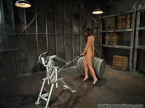 Секс роботом женщина видео