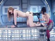 Милую девушку женщина трахает вибратором с электростимуляцией