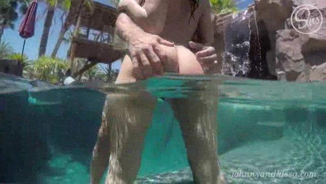 Красивые секс в воде