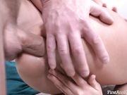 Анальный секс с молодой брюнеткой