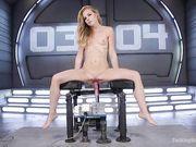 Худая девушка получает оргазмы от секс машины у неё трясётся попа