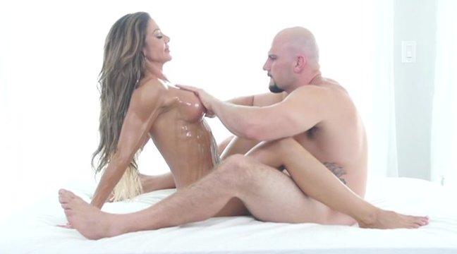 Колготки массаж женщин с большими сиськами видео русское реальное жирными