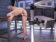 Брюнетка в тату получает оргазмы от секс машины