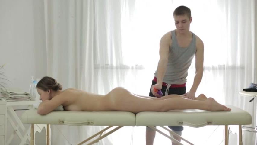 русское порно на массажном столе фото