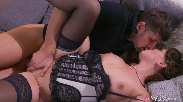 seks-video-v-chulkah-i-korsete-saratove