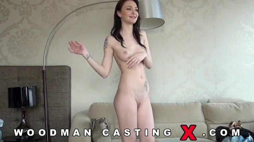 Порно оголила грудь фото