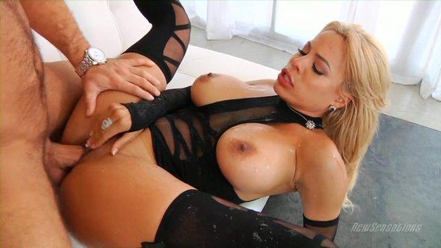 Блондинка Кончила Струёй Порно Смотреть Онлайн