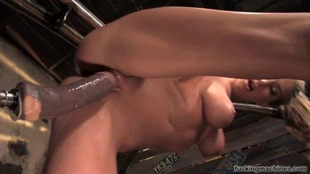 Секс в машине крупним планом