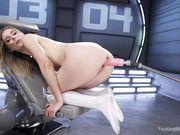 Блондинка Mona Wales с секс машиной