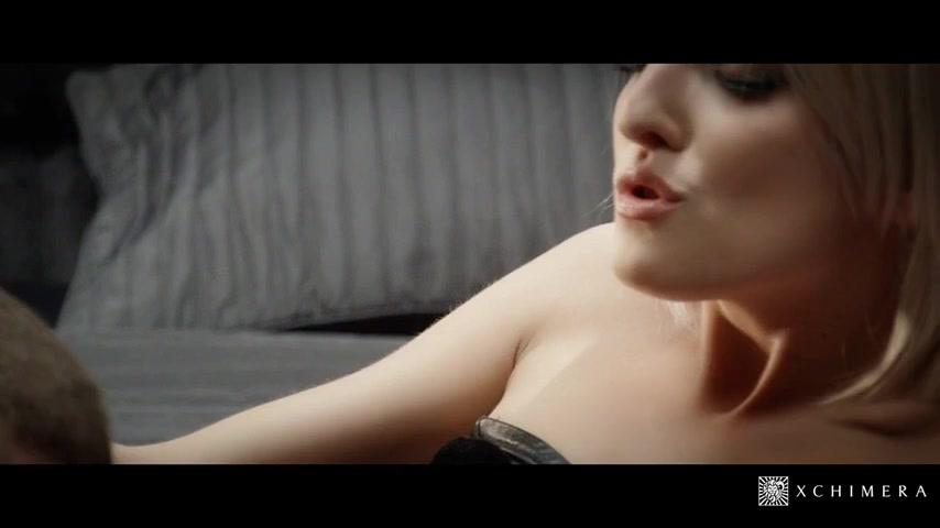 Сексуальная блондинка Missy Woods скоро будет принимать теплую ванну