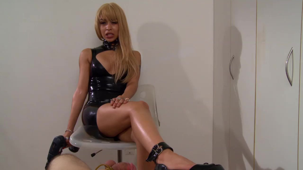 Порно с привязанным рабом пытки