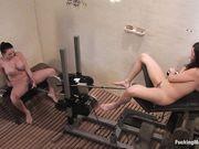Sindee и Sophie развлекаются с машинами для оргазма