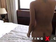 Блондинка на порно кастинге Вудмана занимается любовью с двумя парнями