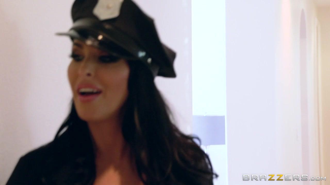 Секс с полицейской большими сиськами видео