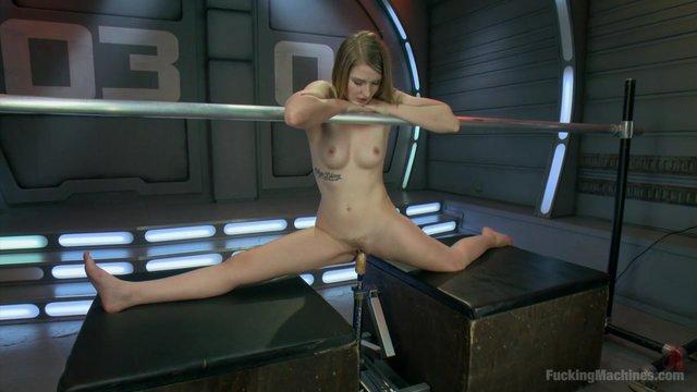 plachet-ot-seks-mashini-video
