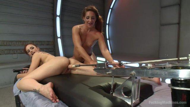 Секс машины и две телочки