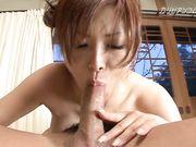 Японка кончает сквиртом во время бурного секса
