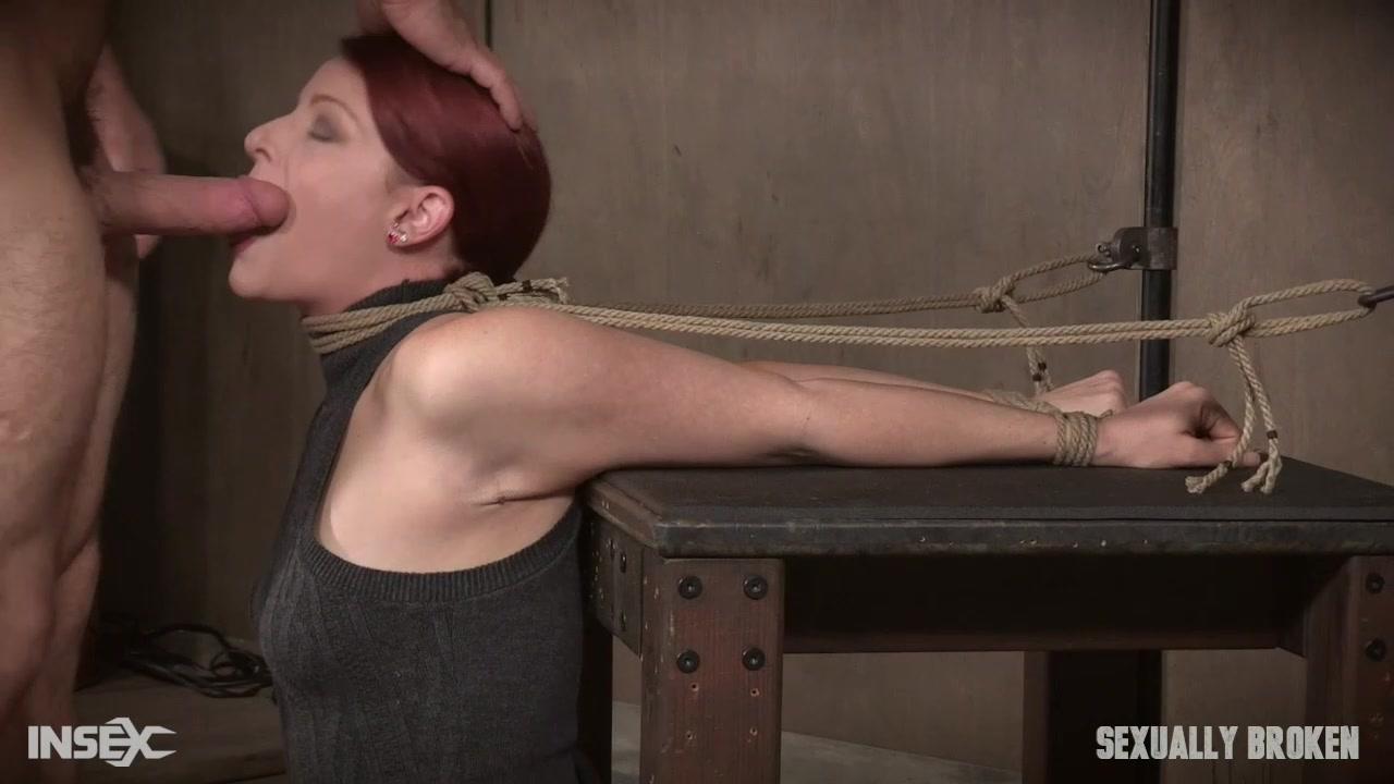 Дает трахнул в рот рабыню девушки блондинки скандинавки
