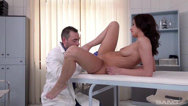priem-u-ginekologa-krasiviy-seks-porno-video-zhena-s-negrami
