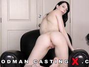 Первый секс Alex Harper на порно кастинге Вудмана