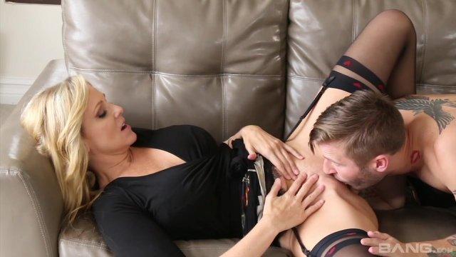Порно мамы и парня