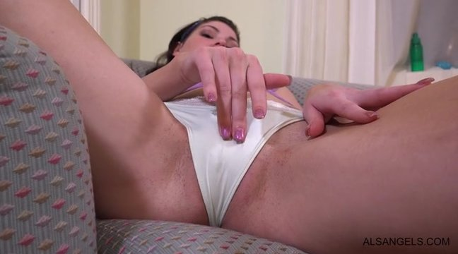 Девушка мастурбирует со своими дырочками видео ххх — 14