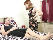 Муж уговорил жену сделать ему минет