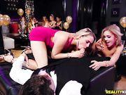Mia Malkova и Kali Roses трахаются с официантом на новогодней вечеринке