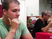 Melissa Moore делает парню минет под столиком в кафе