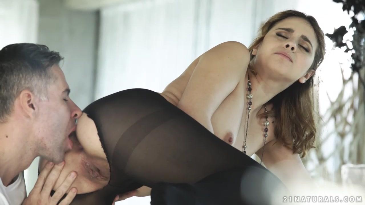 razorvannie-na-kiske-kolgotki-porno-lyubitelskih-kamshotov-onlayn