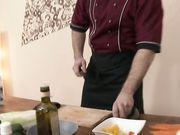 Развратная брюнетка трахается с поваром и писает на него сверху