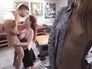 Шикарный секс с двумя рыжими - зрелой и молодой