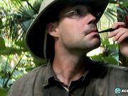 Грудастые амазонки взяли в плен туристов и устроили групповуху