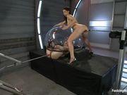 Casey Calvert и Mia Gold занялись мастурбацией с двумя секс машинами