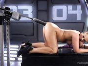 Roxy Raye раком перед машиной для секса
