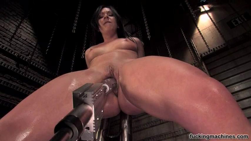 Видео с секс машинами и привязанными сиськами