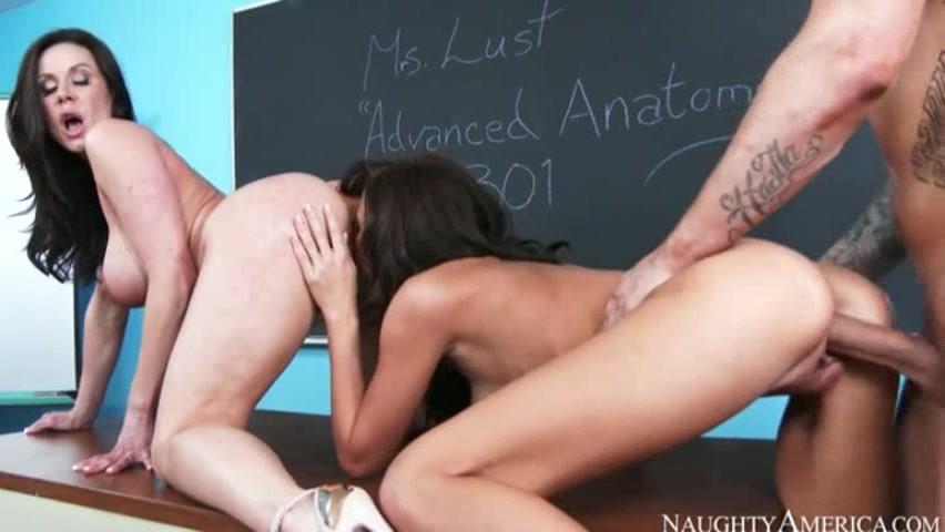 Порно видео в школе на уроке онлайн