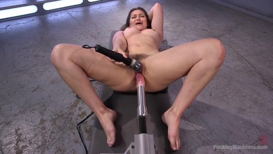 Секс машин трахает ее киску видео фото 436-0