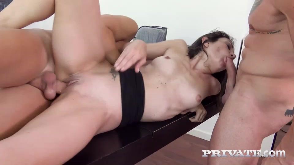 горячее порно на столе