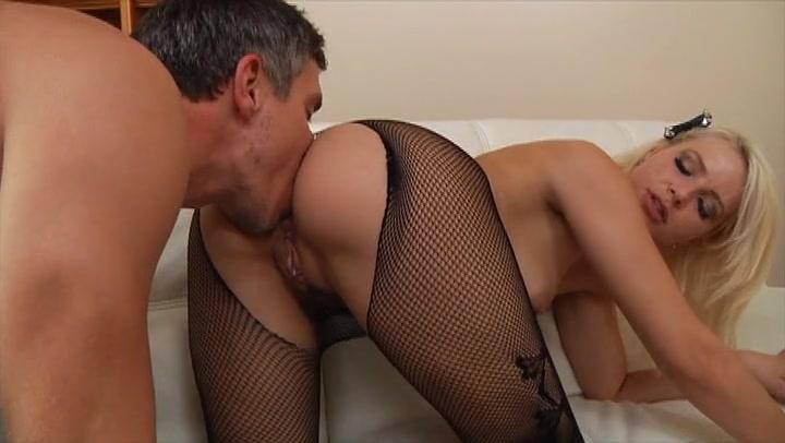 Секс сблондинкой в капронках фото 622-418