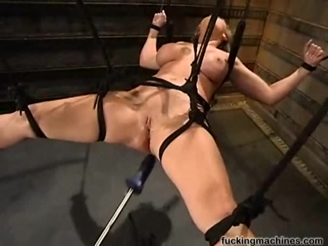 Видео секс на цепях машинки фото 365-280