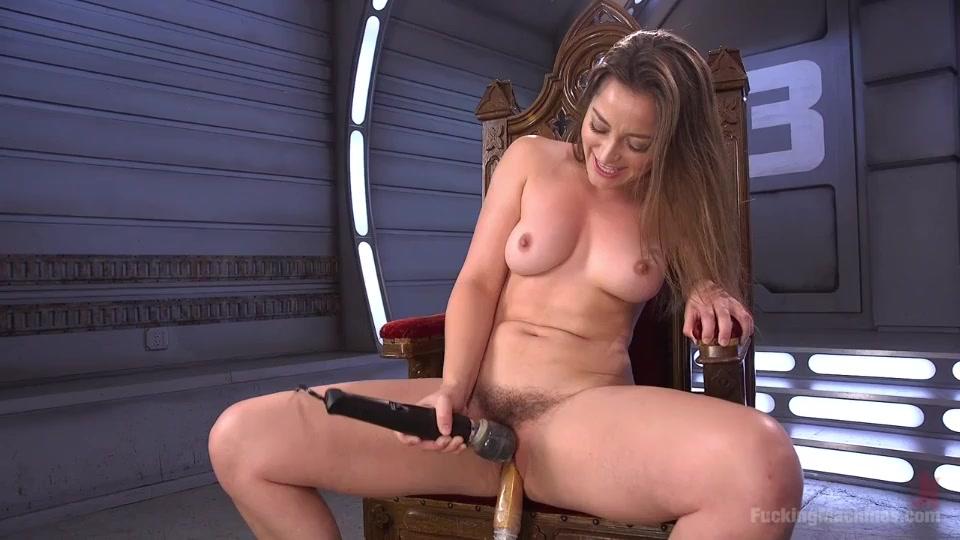 Сисястая девушка и секс машина